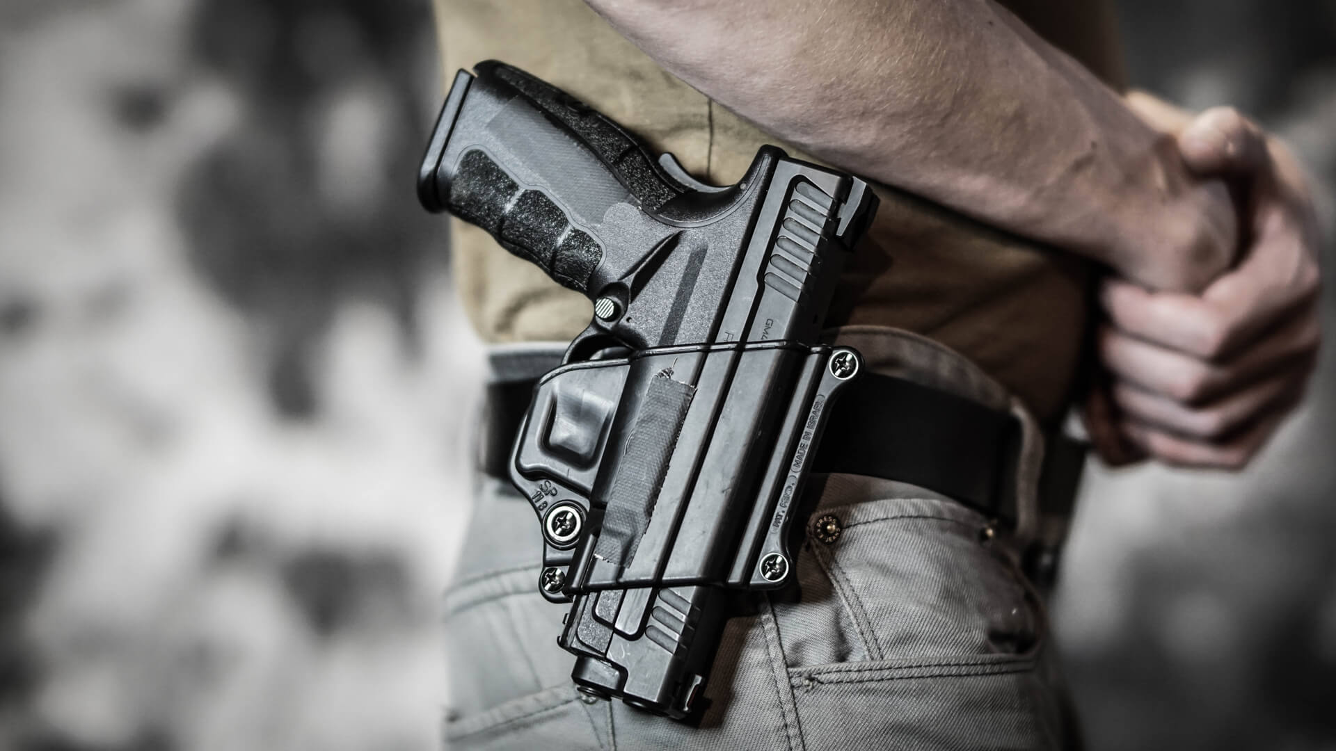 Texas Open Carry Law Changes So Man Has Gun On Waist